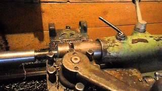 видео Токарно-винторезный станок 1М61