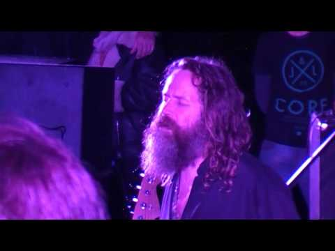 Liam O'Maonlai Sean Nos and audience sing Forevermore Glebe Gardens 29th  August 2016