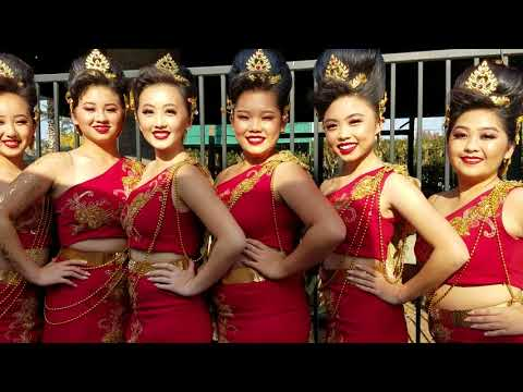Fresno Hmong New Year 2018-Yeej Huam Dance Academy Poses for Fans