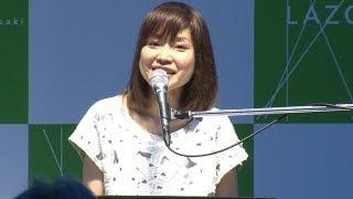 シンガー・ソングライターの川嶋あいが、デビュー15周年を記念したベス...