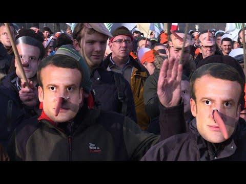 Qui est Emmanuel Macron ? - Page 10 Hqdefault