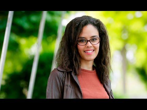 Camille Bernard, chargée d'affaires financement de projets chez Crédit Agricole CIB