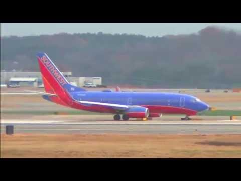 Airplane Spotting / Nashville International Airport