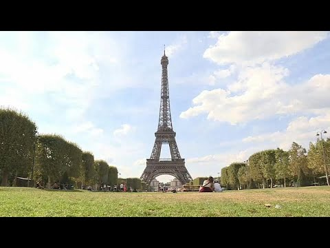 فيديو: إضراب يتسبب في إغلاق برج إيفل في باريس  - 15:23-2018 / 8 / 2