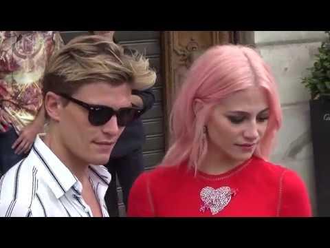 Pixie LOTT & Oliver Cheshire @ Paris July 3, 2017 Fashion Week show Schiaparelli #PFW