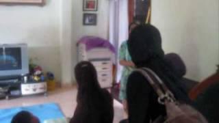 Bunga Rampai TV 111 Adek mohon pamit kepada Bapak dan Bu Haji Paka.