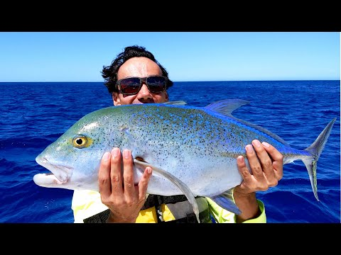 Hawaii's Monster Inshore Fish ( Ulua ) - Two In One Day!