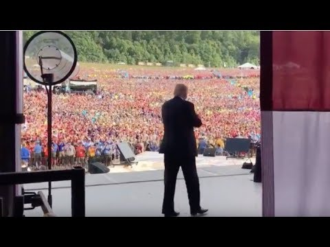 TRUMP JUST WALKED OUT TO THOUSANDS OF BOYSCOUTS CHANTING OBAMA'S WORST NIGHTMARE!