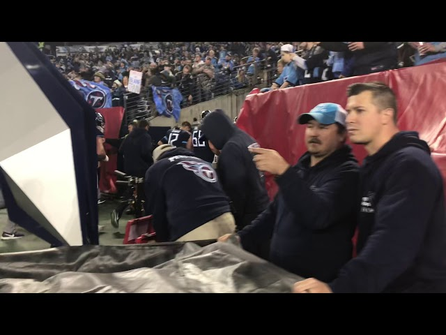Tennessee Titans Running Into The Locker Room — 12/30/18