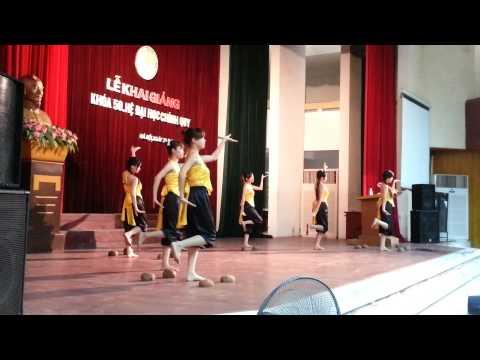 Múa: Gáo dừa