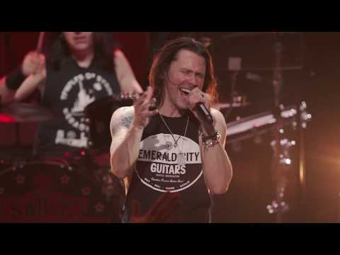 Slash ft. Myles Kennedy & The Conspirators – Anastasia (Living The Dream Tour)