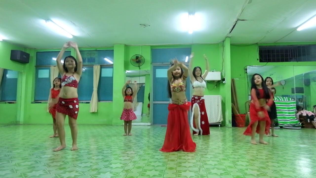Merry Christmas – Bellygirls Kids Group – Trung tâm dạy múa bụng thiếu nhi tại HCM