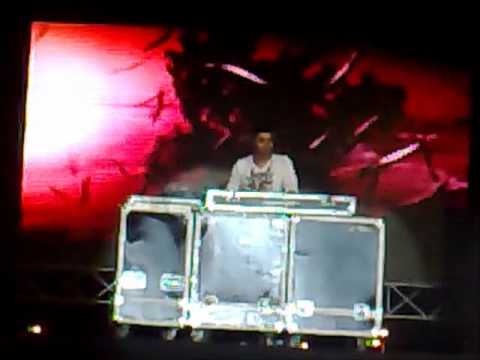 DJ Carlos At AUC SIFE Concert 10-11-2011