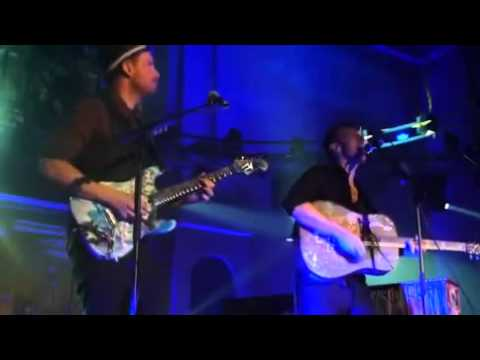 Chris Martin and Jonny Buckland of Coldplay Shiver (acoustic)