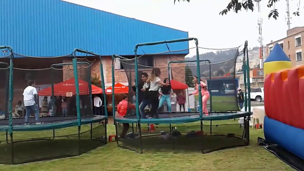 Trampolin Para Ninos En Bogota Juegos Inflables Youtube