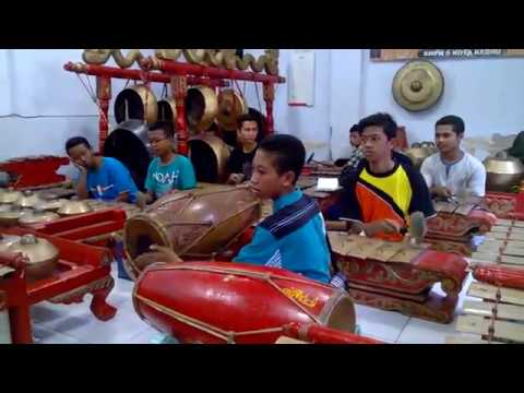 Ayak Patalon, Palaran Pucung, Sampak, Sanggar Dwija Laras SMPN 6 Kota Kediri