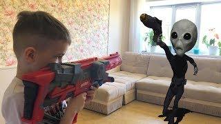 Nerf Game Alien vs Bogdan НЕРФ Игра Богдана похитили ПРИШЕЛЬЦЫ
