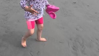 Frederikke ved stranden