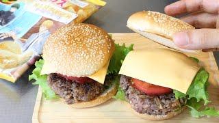 I made a bit weird burger using Kuroko's Basketball potato chips(ch...