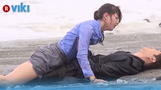 V Focus   Ep 2 | Melvia Sia & Huang Wei Ting Alone On A Desert Island