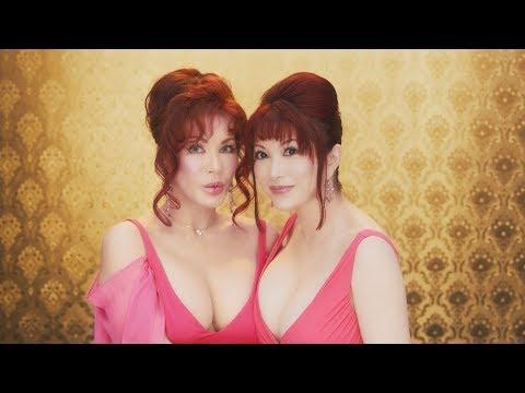 叶姉妹、胸元の開いたセクシーなドレス姿で官能的な!?セリフつぶやく とらのあな新CM「いっちゃってますわね。」篇