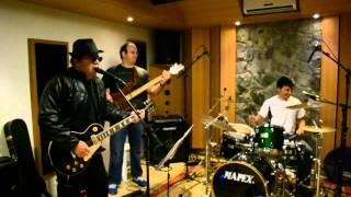 Banda CLÃ - Plush - Stone Temple Pilots Cover (Alive in Studio)
