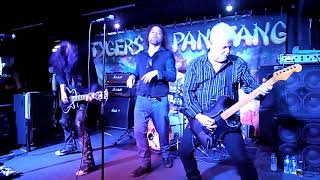 Tygers of Pan Tang - Blood Red Sky/Keeping Me Alive