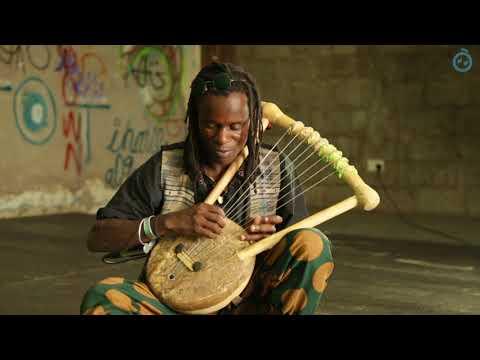 Rapasaplays 'Ukalo Matek' on Nyatiti | Singing Wells