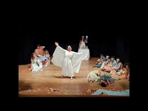 """I licei a teatro con """"Sogno"""" successo al Paolella"""