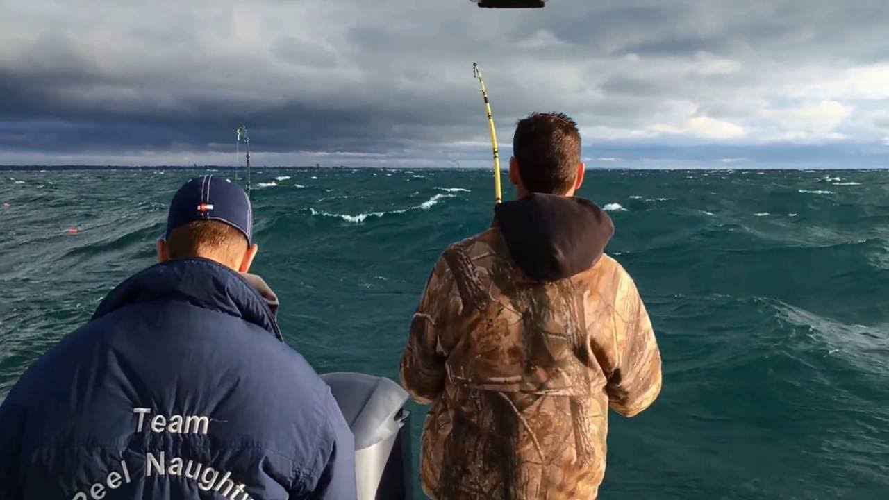 Salmon fishing in kenosha wi 2016 youtube for Wisconsin out of state fishing license