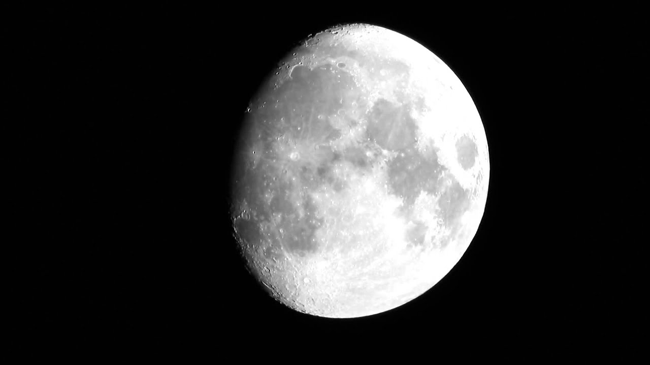 Canon Eos 70D + EF 100-400mm F4.5-5.6L is + Moon - YouTube