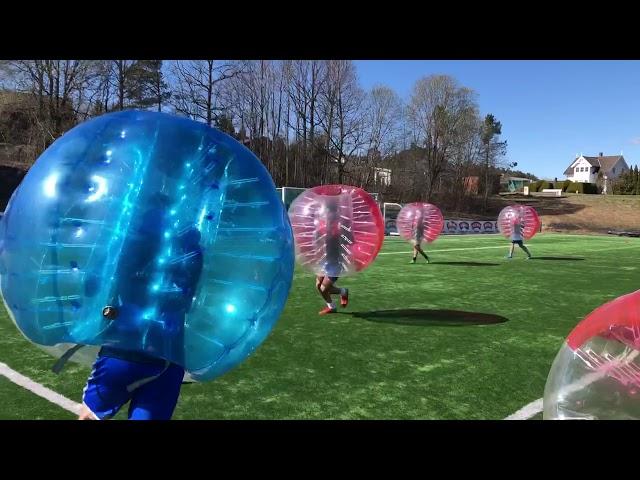 Boblefotball med Fotball Europa på Grenland folkehøgskole