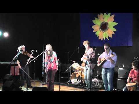 Shelagh McDonald & The Razorbills