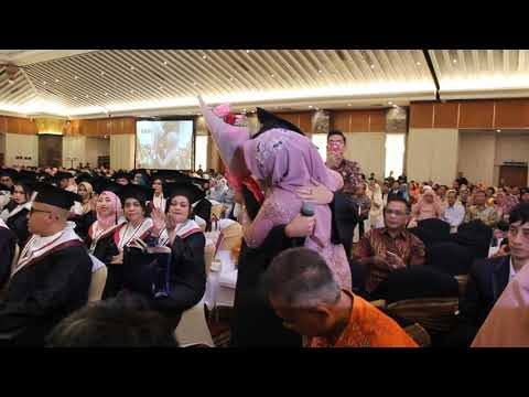 Lagu Bunda - Astrid Remiva (Penerima Sahid University Award Wisuda Ke 39)