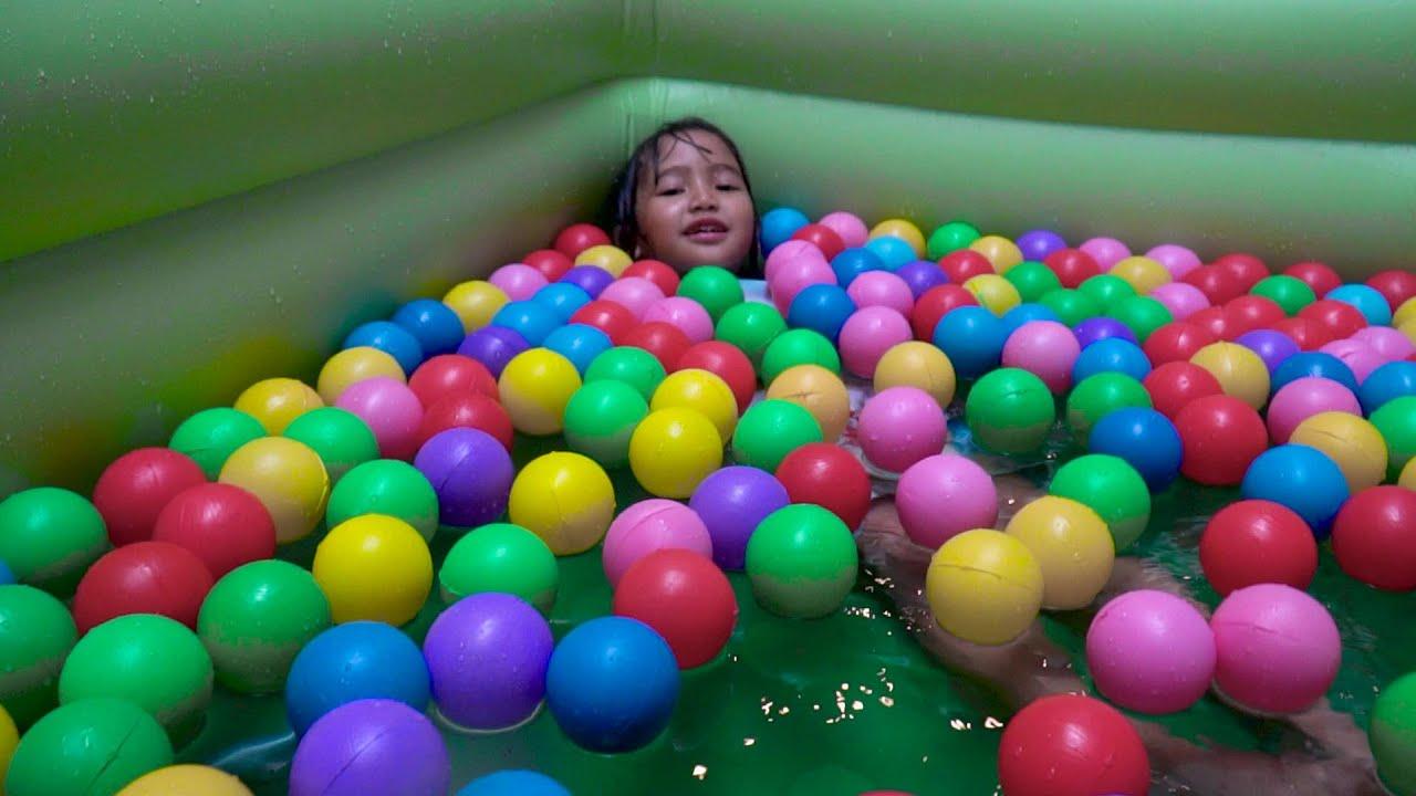 UNBOXING KOLAM RENANG SEKALIAN MANDI DENGAN BOLA WARNA WARNI Kids Swimming Pool