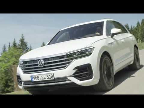Volkswagen Touareg - Driving Scenes