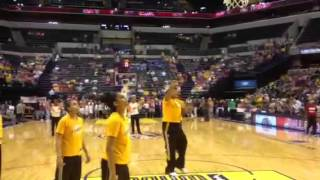 Skylar Diggins and Tulsa Shock warming up vs Indiana Fever