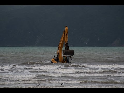 How to rescue a digger from the ocean