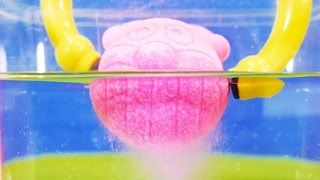 アンパンマンのびっくらたまごをマジックハンドとステップアップお箸で溶かそう! お風呂遊び! Toy Kids トイキッズ animation anpanman thumbnail