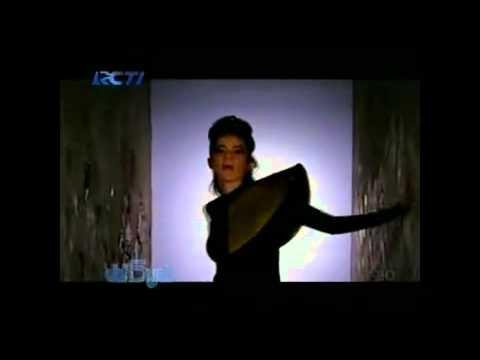 Stop - Dewi Sandra feat Olla Ramlan