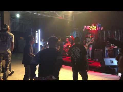 Under 18 Live In Aceh