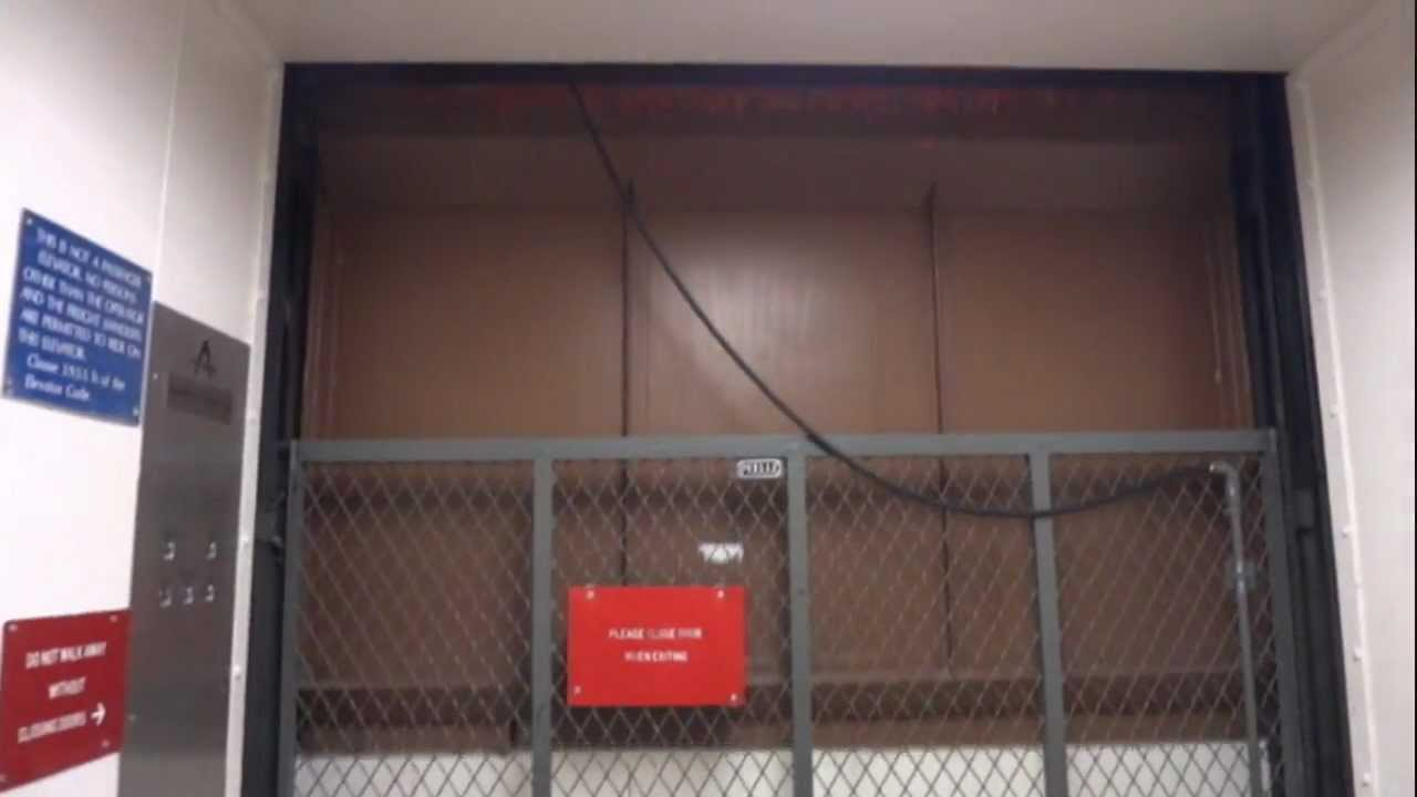 Thyssen Hydraulic Freight Elevator with powered doors @ Mount Royal University & Thyssen Hydraulic Freight Elevator with powered doors @ Mount ... Pezcame.Com