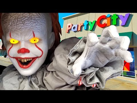 HALLOWEEN 2019 At PARTY CITY !! These Animatronics Scared The Crap Out Of Me!