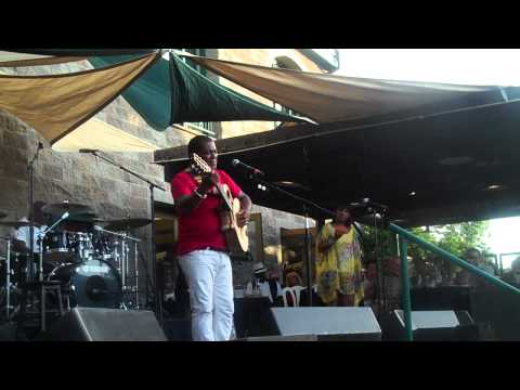 "Jonathan Butler Performs ""No Woman No Cry"" Live At Thornton Winery"