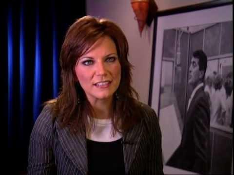 Martina McBride Calls Dean Martin Timeless