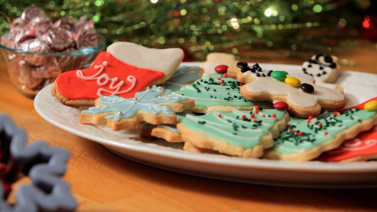 how to decorate holiday cookies christmas cookies youtube - How To Decorate Christmas Cookies With Royal Icing