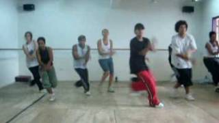 I Cant Transform Ya - Léo Happy Feet and Vitor Benigno