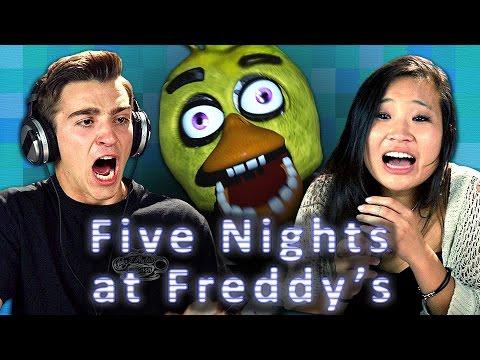 FIVE NIGHTS AT FREDDY'S (Teens React: Gaming)
