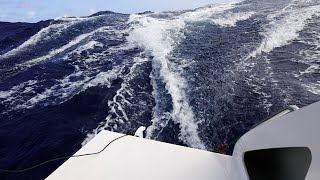 MID ATLANTIC SURFING AT 21 KNOTS!!!