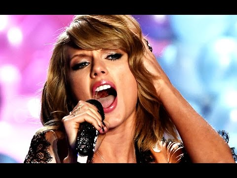 Taylor Swift Lip Syncs At Victoria's Secret Fashion Show?